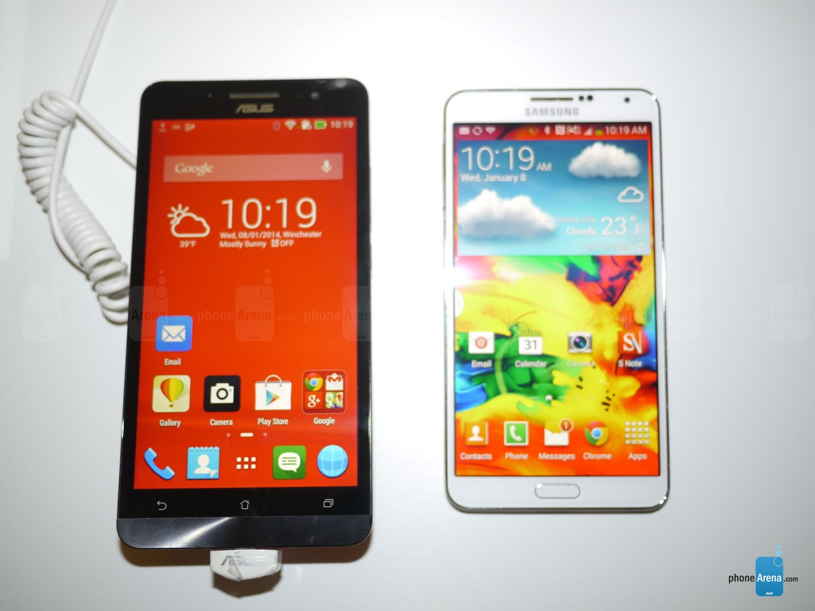 Asus zenfone 6 does not bend like apple iphone 6 plus - Asus Zenfone 6 Vs Samsung Galaxy Note 3 First Look