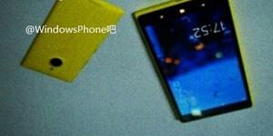 Sforum - Trang thông tin công nghệ mới nhất Is-Nokia-going-to-launch-a-mini-version-of-its-Nokia-Lumia-1520-phablet Nokia Lumia 1520 mini sẽ được trang bị màn hình 4.3 inch, camera PureView 14MP