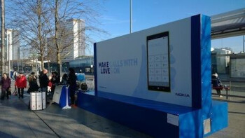 "Nokia launches weather-sensitive ""Glove Love"" Lumia ads in the UK"