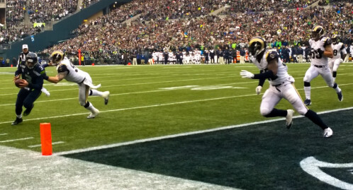 Nokia Lumia 1020 taken to a football game, tells an epic story in pictures