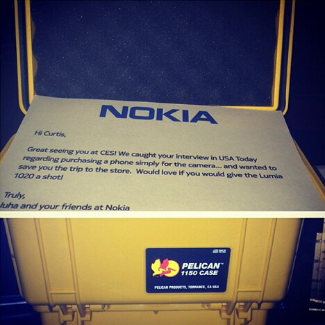 Picture, taken by the rapper, of the message Nokia sent with its gift - Nokia gives 50 Cent a Nokia Lumia 1020 for free