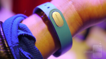 Huawei TalkBand B1 hands-on: a cool 2-in-1 wearable fitness tracker and Bluetooth headset