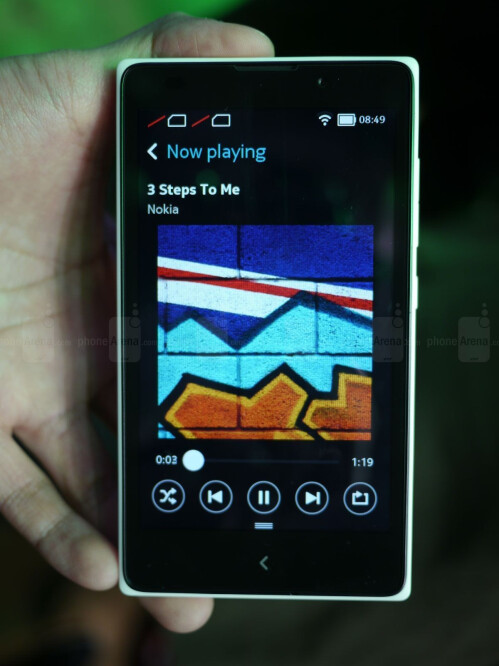 Nokia XL screenshots
