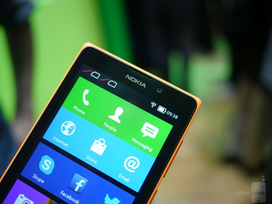 Nokia XL hands-on: a bigger take on Android from Nokia