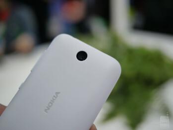 Nokia Asha 230 hands-on: diminutive handset with a diminutive price