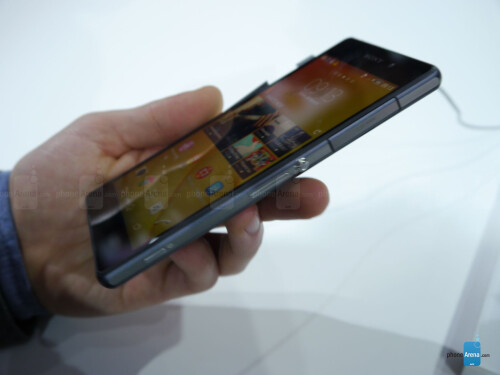 Sony Xperia Z2 hands-on images
