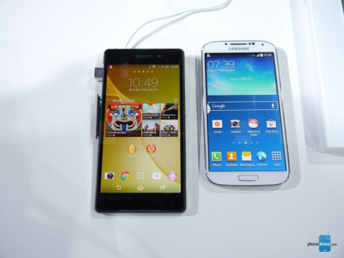 Sony Xperia Z2 vs Samsung Galaxy S4: first look