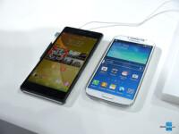 Sony-Xperia-Z2-vs-Samsung-Galaxy-S4-4.JPG