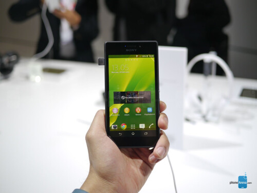 Sony Xperia M2 hands-on gallery