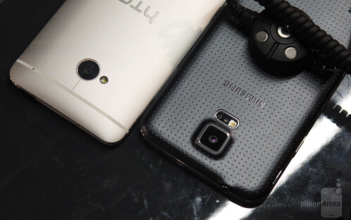 Samsung Galaxy S5 vs HTC One: first look