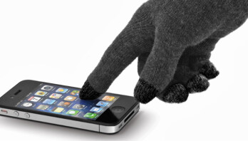 "Beware: a security hole in non-jailbroken iOS devices allows apps to ""keylog"" you"