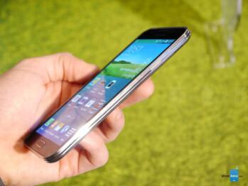 Spring chickens: Samsung Galaxy S5 vs Sony Xperia Z2 comparison preview
