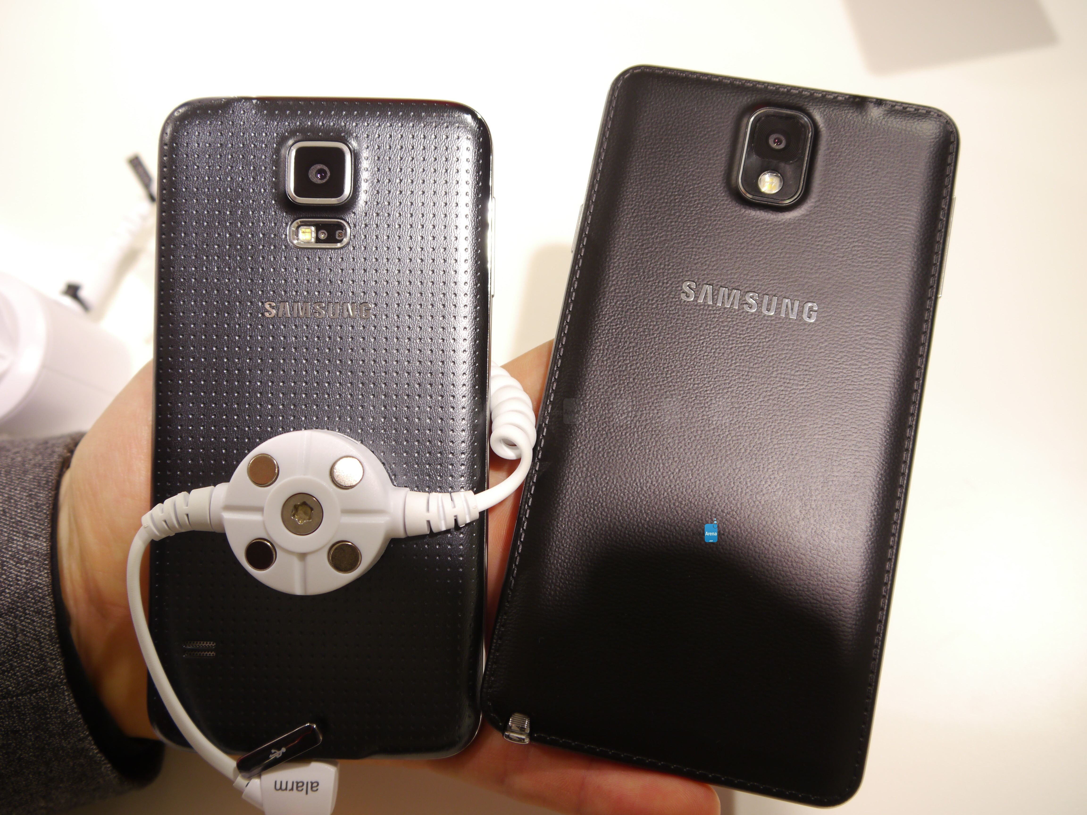 samsung galaxy s5 vs note 3  first look