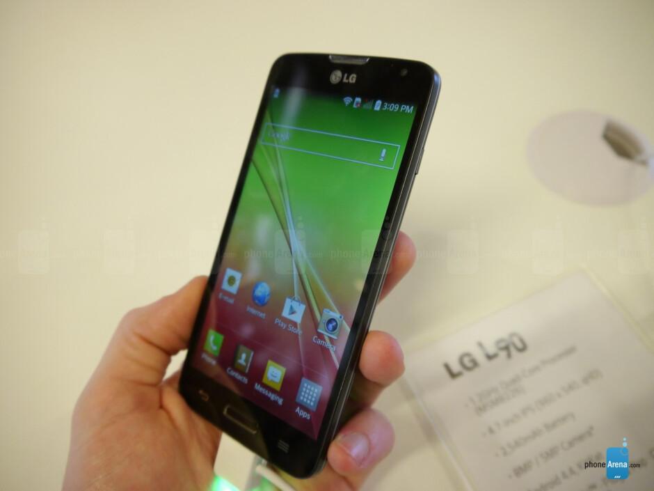 LG L90 hands-on: botched upgrades