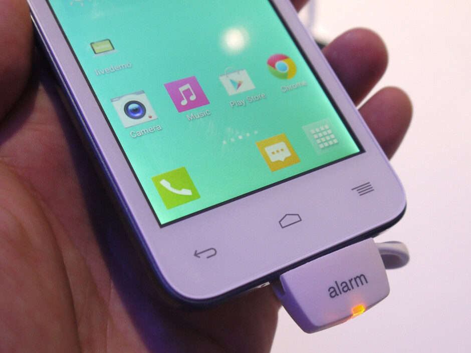 Alcatel OneTouch POP S3 hands-on: no beauty, no beast, just a nice entry-level LTE phone