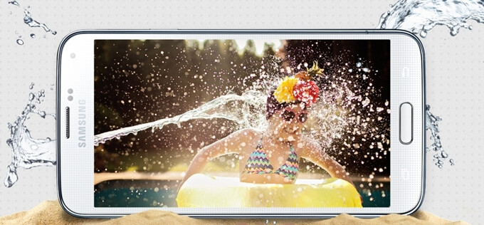 """Sony """"not worried"""" about the fact that Samsung's Galaxy S5 is water resistant"""