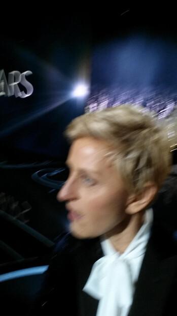 Nokia mocks Samsung for the blurry Oscars selfies