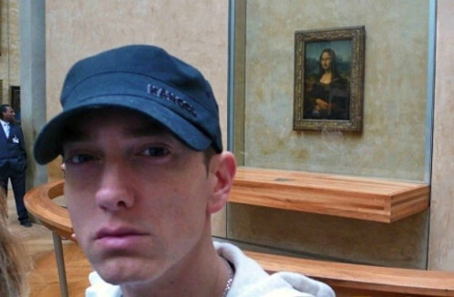 The Eminem is into arts selfie