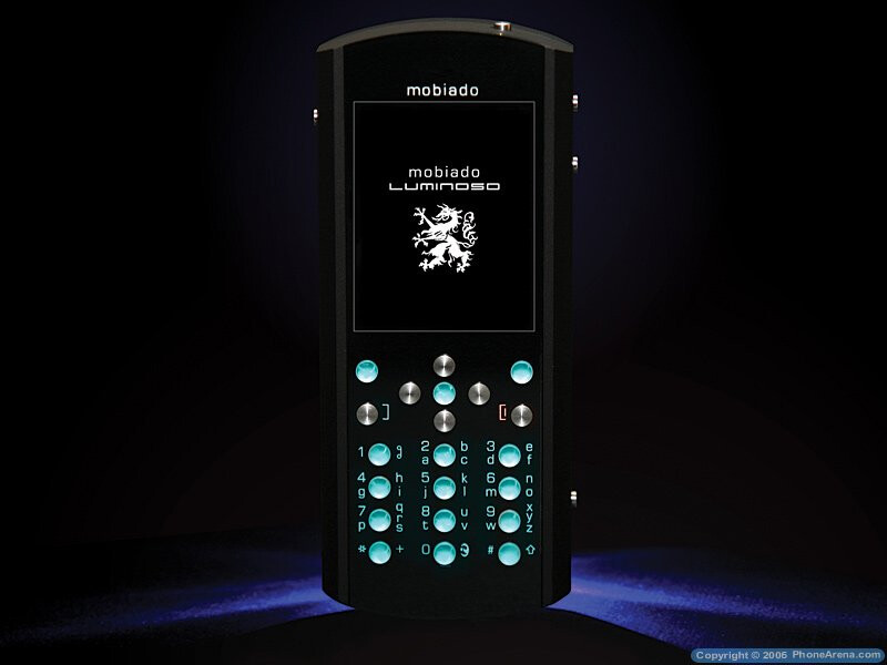 Mobiado Luminoso - an attempt to compare with Vertu
