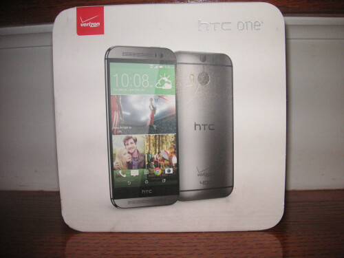 Verizon-branded HTC One (2014) retail packaging