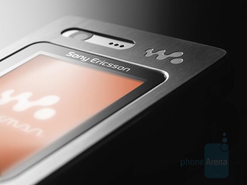 Sony Ericsson W880 Ai - Sony Ericsson W200 - budget Walkman; W880 - hi-end