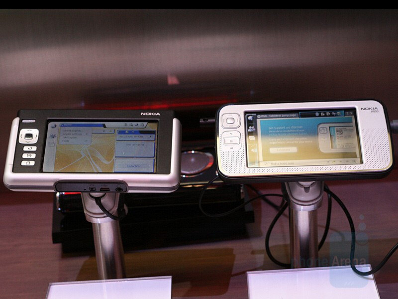 N800 compared to N770 - Nokia N800 Internet Tablet - CES 2007: Live Report