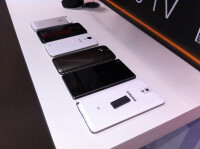 All-New-HTC-One-M8-2014-vs-iPhone-5S-LG-G2-Galaxy-S4-Xperia-Z1-Note-3-04