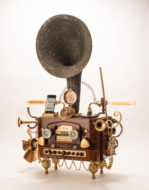 Steampunk Gramophone for iPhone and Android