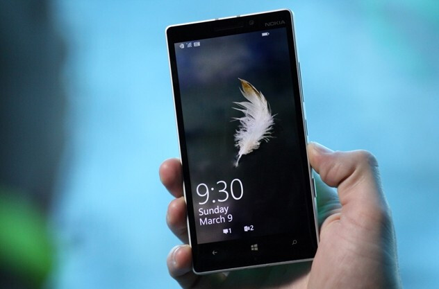 Nokia designer talks about the Lumia 930