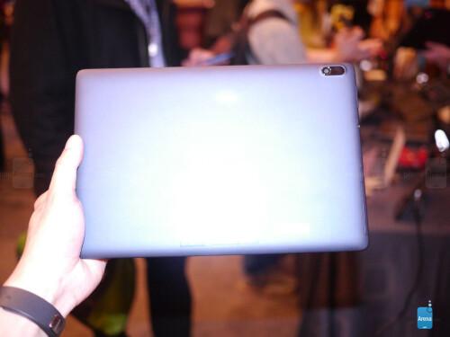 Lenovo Tab A10 hands-on