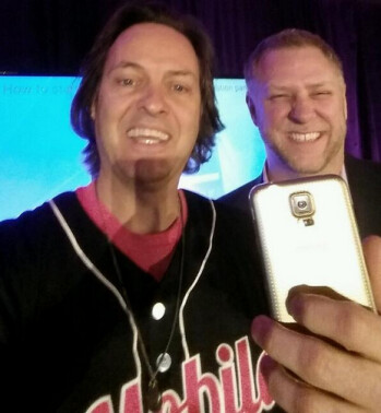 Now T-Mobile CEO John Legere is receiving a Gold Samsung Galaxy S5 to go with his gold HTC One (M8)