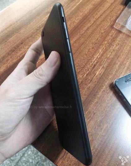 Apple iPhone 6 case mold shows off new design of the handset