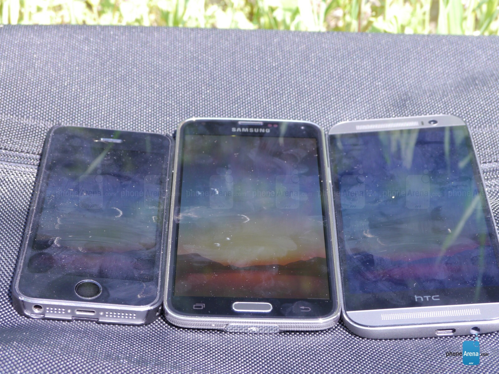 best display for outdoor use comparison  samsung galaxy s5