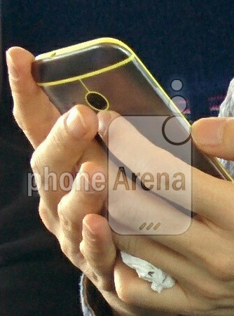 First real-life image of HTC One mini 2 surfaces, shows playful color accents