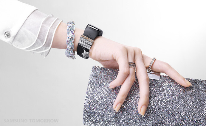 Sforum - Trang thông tin công nghệ mới nhất Swarovski-for-Samsung-Collection-announced-12 Bộ phụ kiện pha lê Swarovski đã được bán ra dành riêng cho Galaxy S5 và Gear Fit