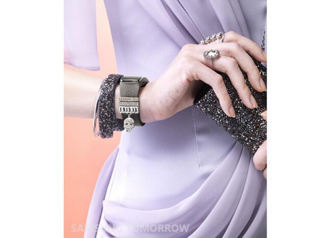 Sforum - Trang thông tin công nghệ mới nhất Swarovski-for-Samsung-Collection-announced-14 Bộ phụ kiện pha lê Swarovski đã được bán ra dành riêng cho Galaxy S5 và Gear Fit