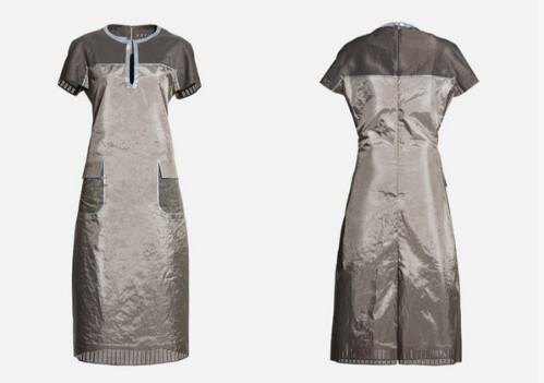 These clothes will end your smartphone addiction