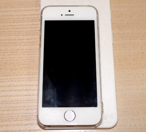 Mockup of 5.5 inch Apple iPhone phablet is created on a 3D printer and compared to the Apple iPhone 5s