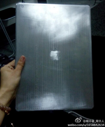 Photo allegedly showing off a prototype of the 12.9 inch Apple iPad Pro