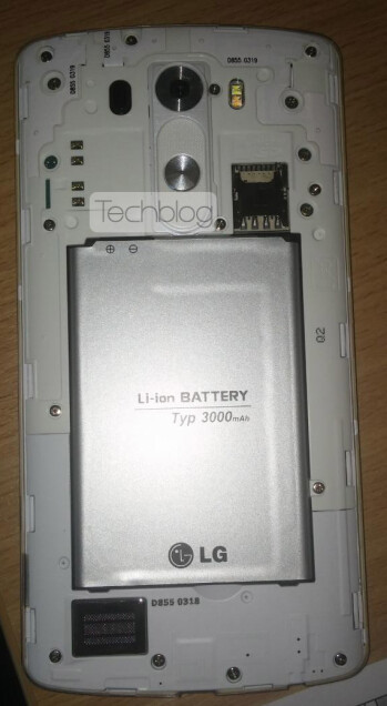 LG G3 gets stripped of its back cover, flashes a detachable battery and microSD slot