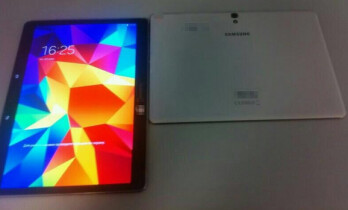 Low resolution photo of the high resolution screen on the 10.5 inch Samsung Galaxy Tab S
