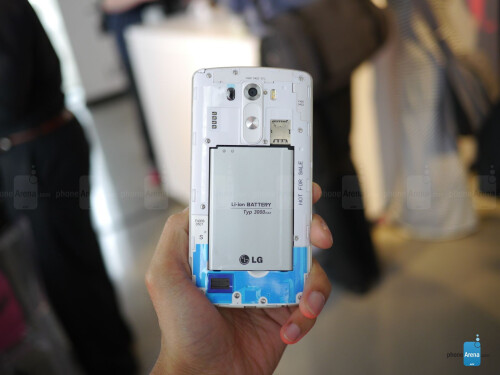 LG   G3 hands-on - the QHD behemoth is here