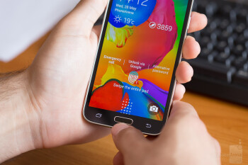 Living with the Samsung Galaxy S5, week 1: handshake