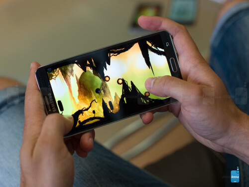 Samsung Galaxy Note 3: large display and plentiful storage for your full game collection