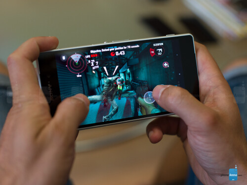 Sony Xperia Z2: hook up a PlayStation controller and enjoy