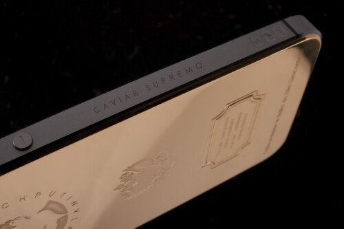 This $4,360 gold-plated iPhone 5s comes with the face of Vladimir Putin engraved on its back side