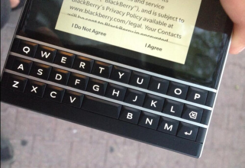 More pictures and video of the BlackBerry Passport