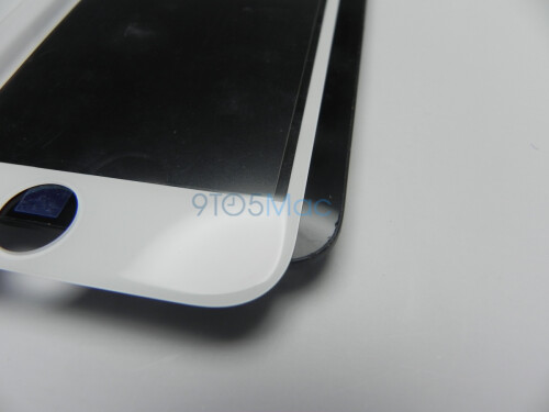 Apple iPhone 6 screen glass leaks out