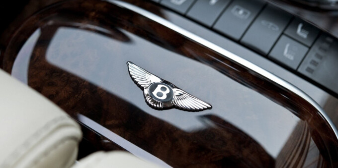 Vertu pairs up with Bentley to create luxurious smartphones, the first one coming this fall