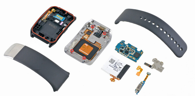 Samsung Gear Live pays iFixit a visit, it's as easy to repair as a Samsung Gear 2